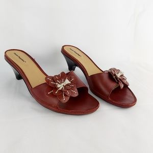 Hush Puppies leather heeled sandals size 10W